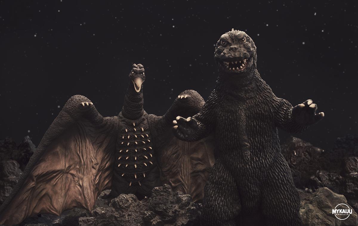Godzilla and Rodan (X-Plus 25cm Rodan and Billiken Godzilla 1962)