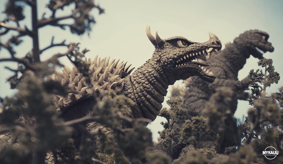 Godzilla and Angilas (X-Plus 25cm)